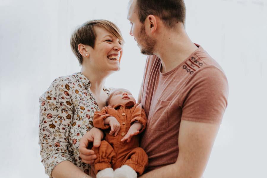 photographe-tours-seance-photo-en-famille-naissance-de-bebe