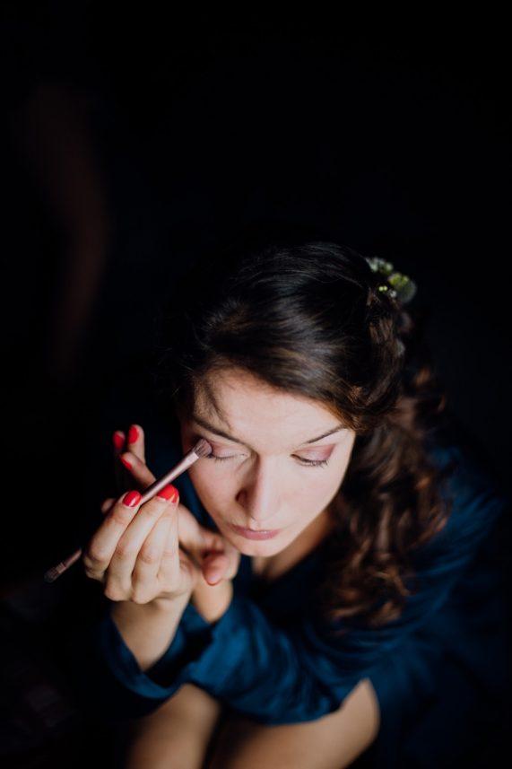 photographe-tours-ulrike-mariage-chateaurou-preparatif-de-la-mariee