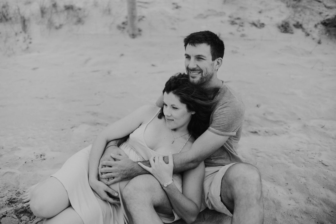 une séance photo en vendée un couple à la plage par ulrike photographe à tours