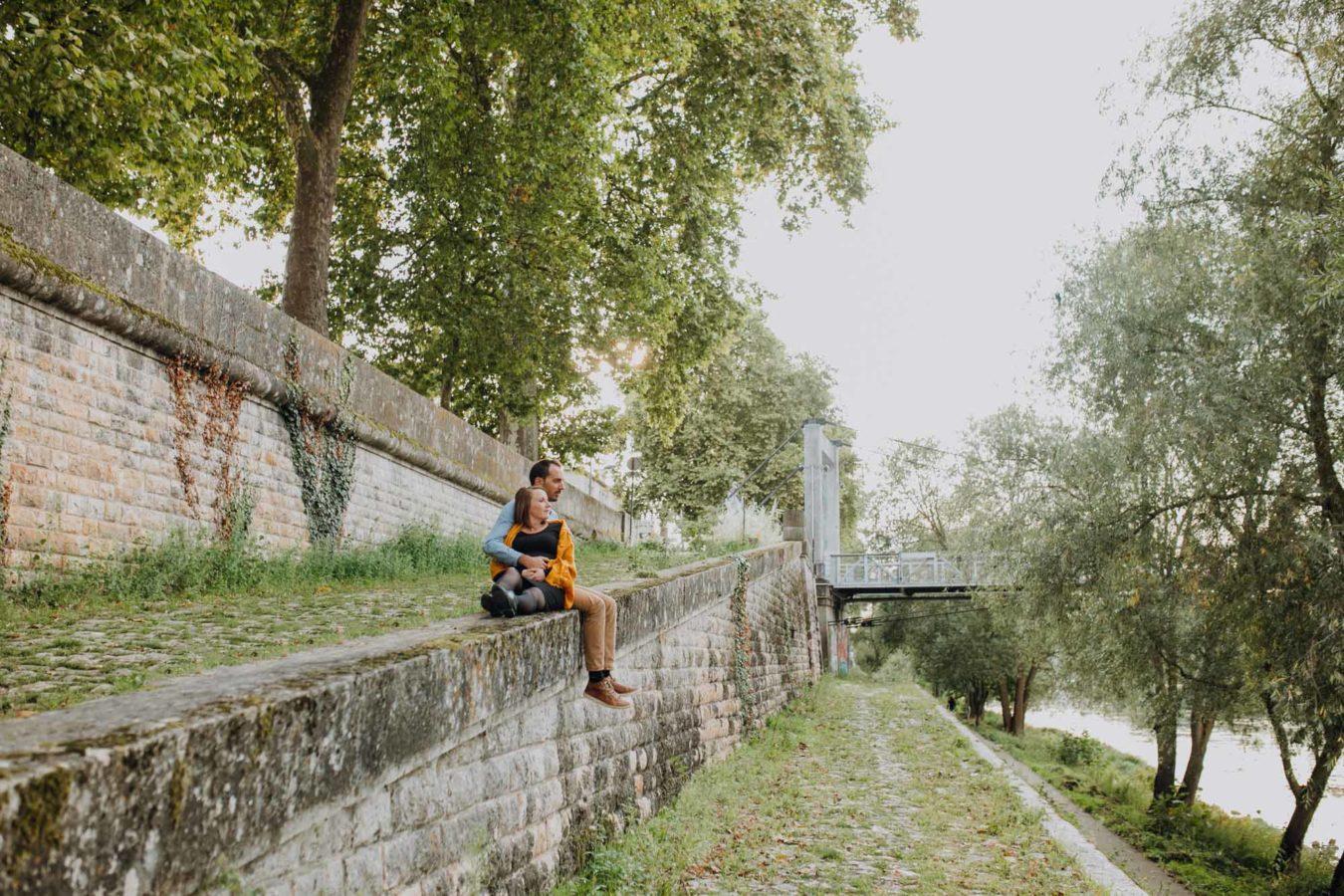 photographe-tours-ulrike-realise-seance-grossesse-bord-de-loire