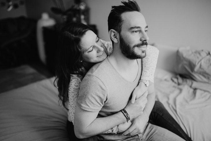 photographe tours-séance couple en interieur