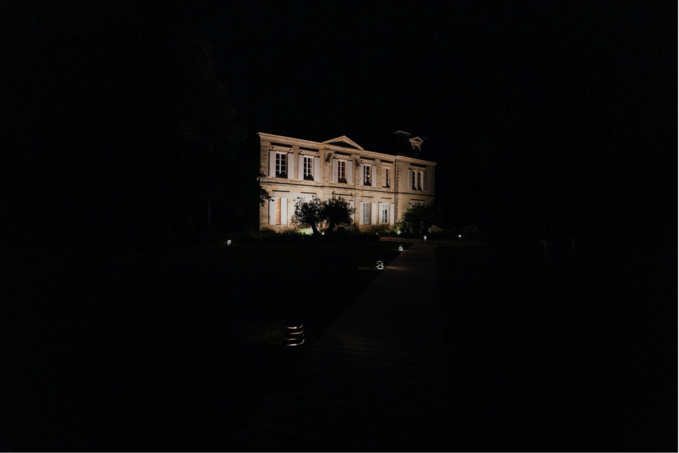 mariage-au-chateau-de-garde-ulrike-photographe-bordeaux-ceremonie-laique-we-days-1